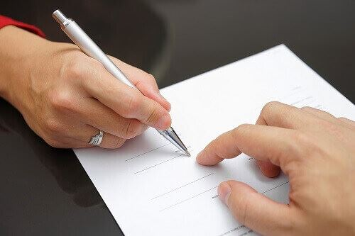 Signing prenuptial agreement